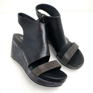 New Antelope Wedge Leather Sandals